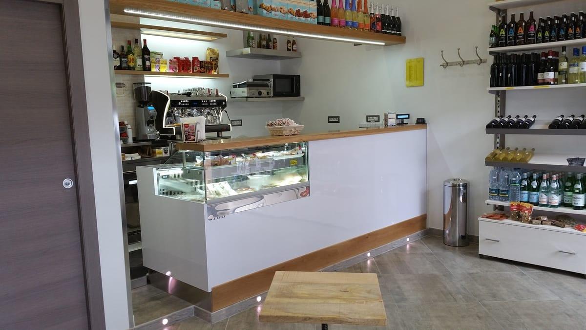 Foto Arredamento Bar Moderno.Arredamento Bar Genova Surgea
